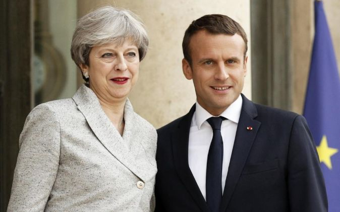 Emmanuel Macron no tendrá compasión con Theresa May
